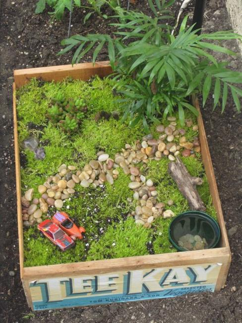 How To Recycle: Miniature Fairy Garden Designs