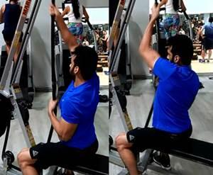 Ejercicio que simula escalara la cuerda para espalda