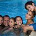 Compartir en familia!. Jennifer Lopez y Alex Rodriguez en una escena muy familiar.