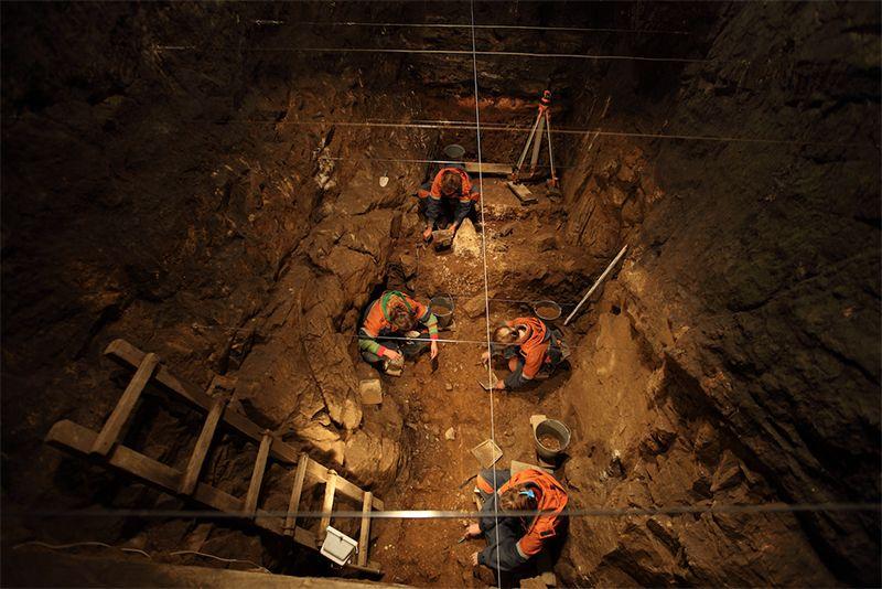 Excavaciones en Cueva Denisova. Foto:  IAET SB RAS.
