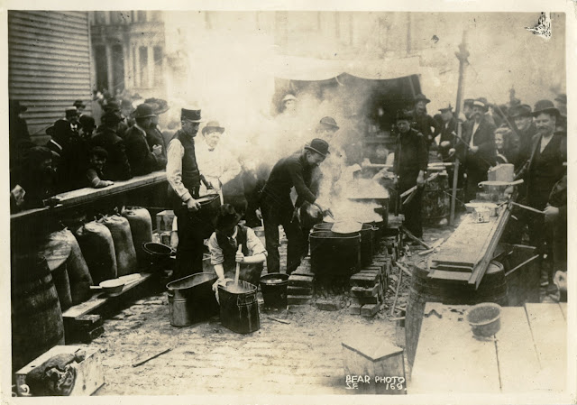 Refugee cook and coffee station, 1906 California Historical Society