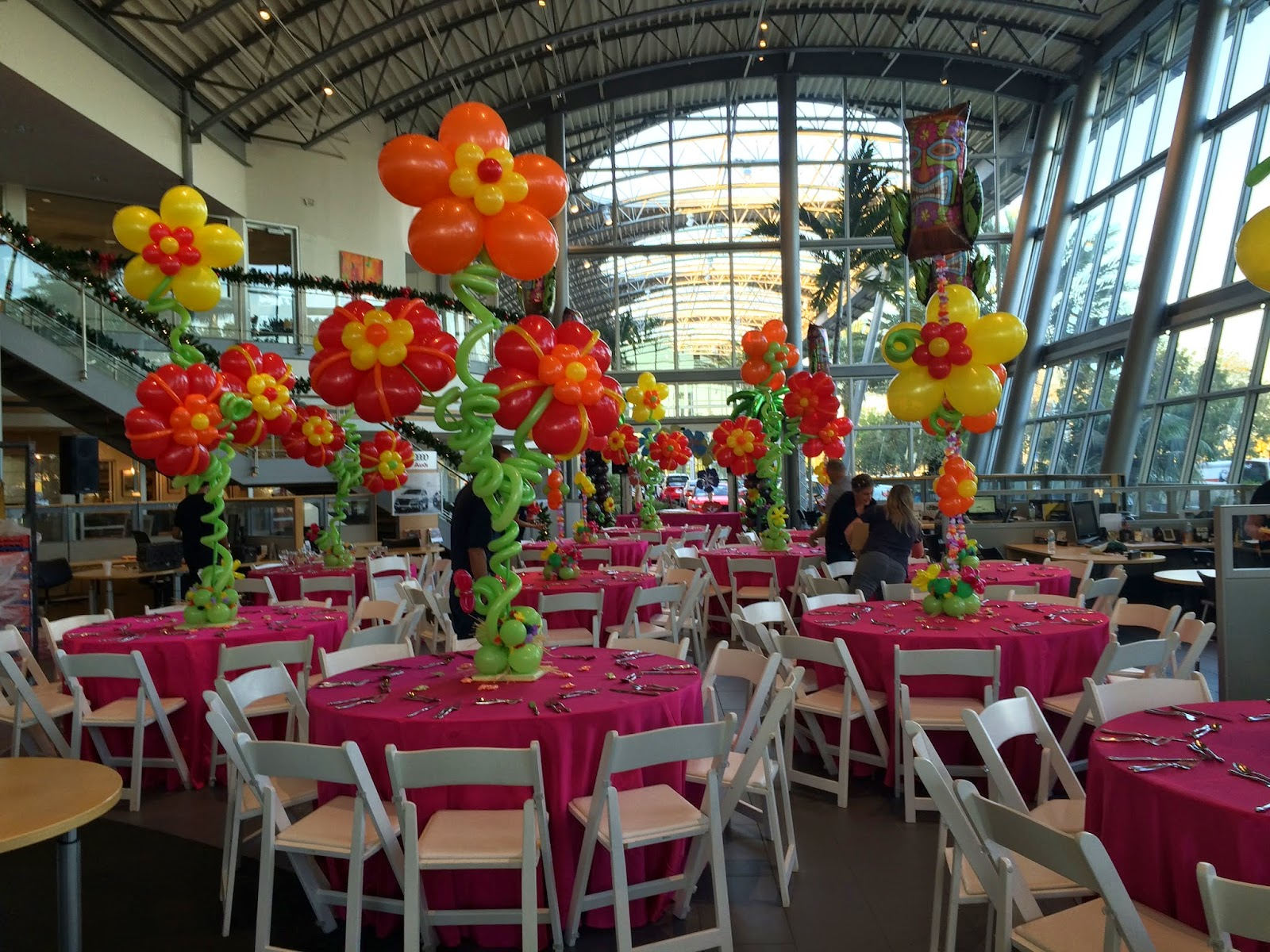 Dreamark events blog hawaii themed holiday corporate event for Hawaiin decorations