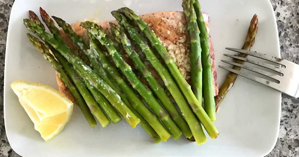 Our Good Life: Lemony Salmon and Asparagus Foil Packets # ...