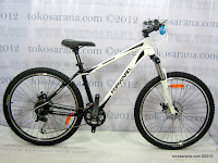 A 26 Inch Forward Damiano 3.0 27 Speed Shimano Alivio HardTail Mountain Bike