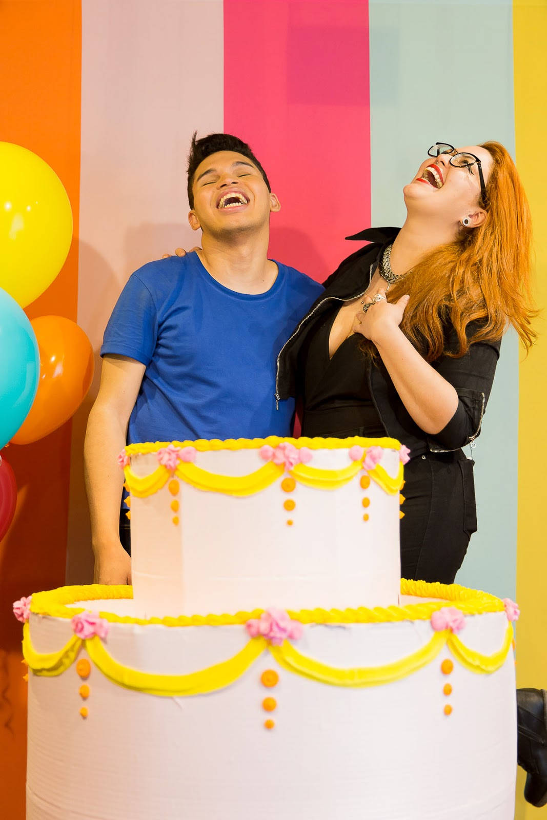 bolo gigante thais terra giant cake pinata party