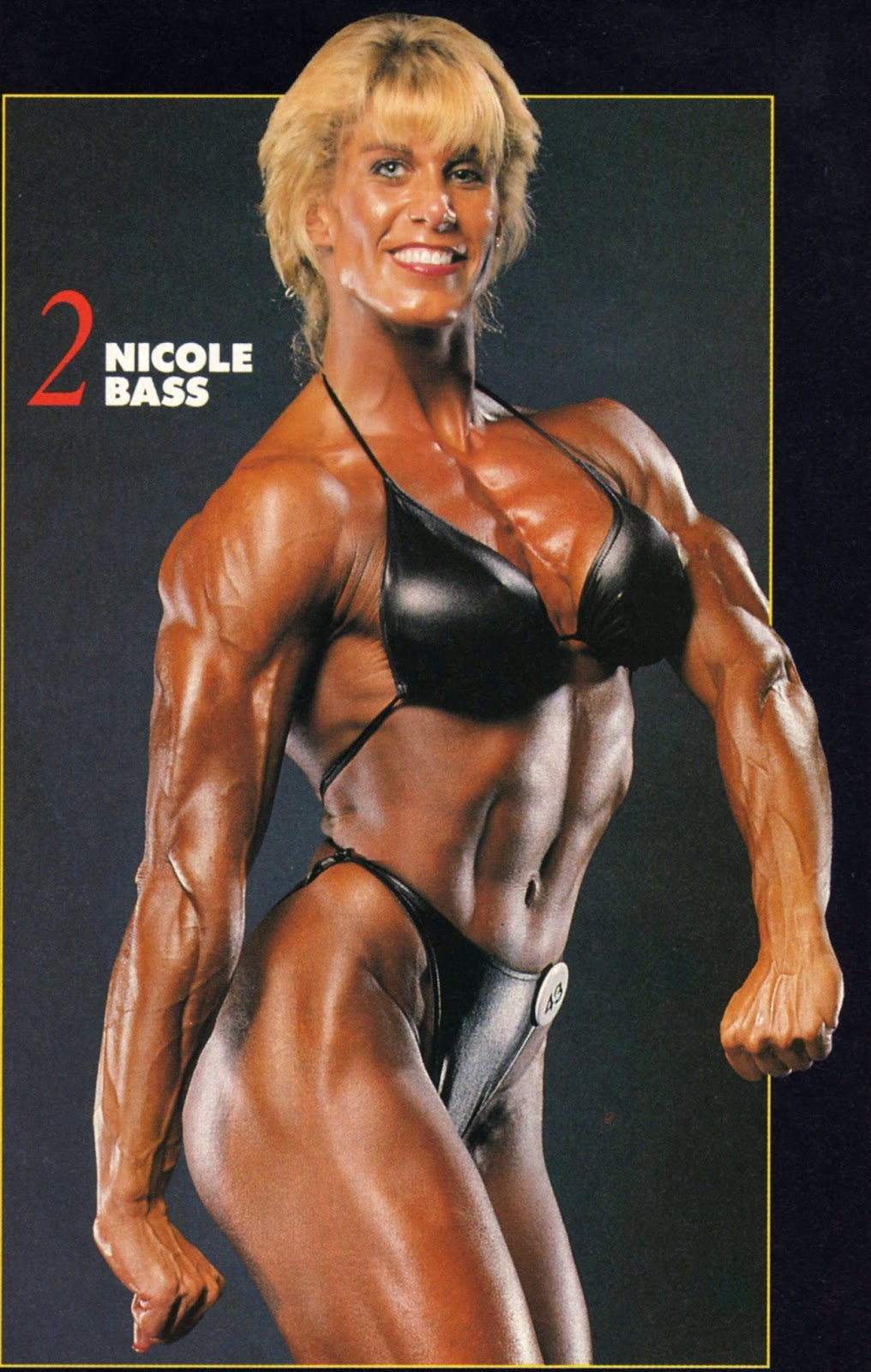 Absolutely female bodybuilder double penetrated for