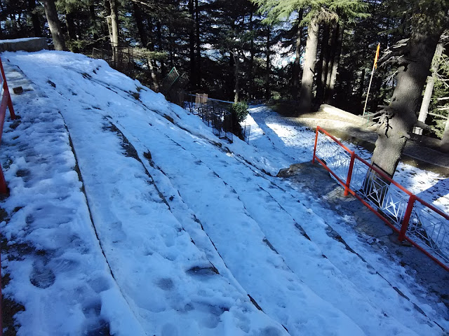snow near jakhu temple