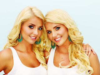 13-beautiful-twins.jpg