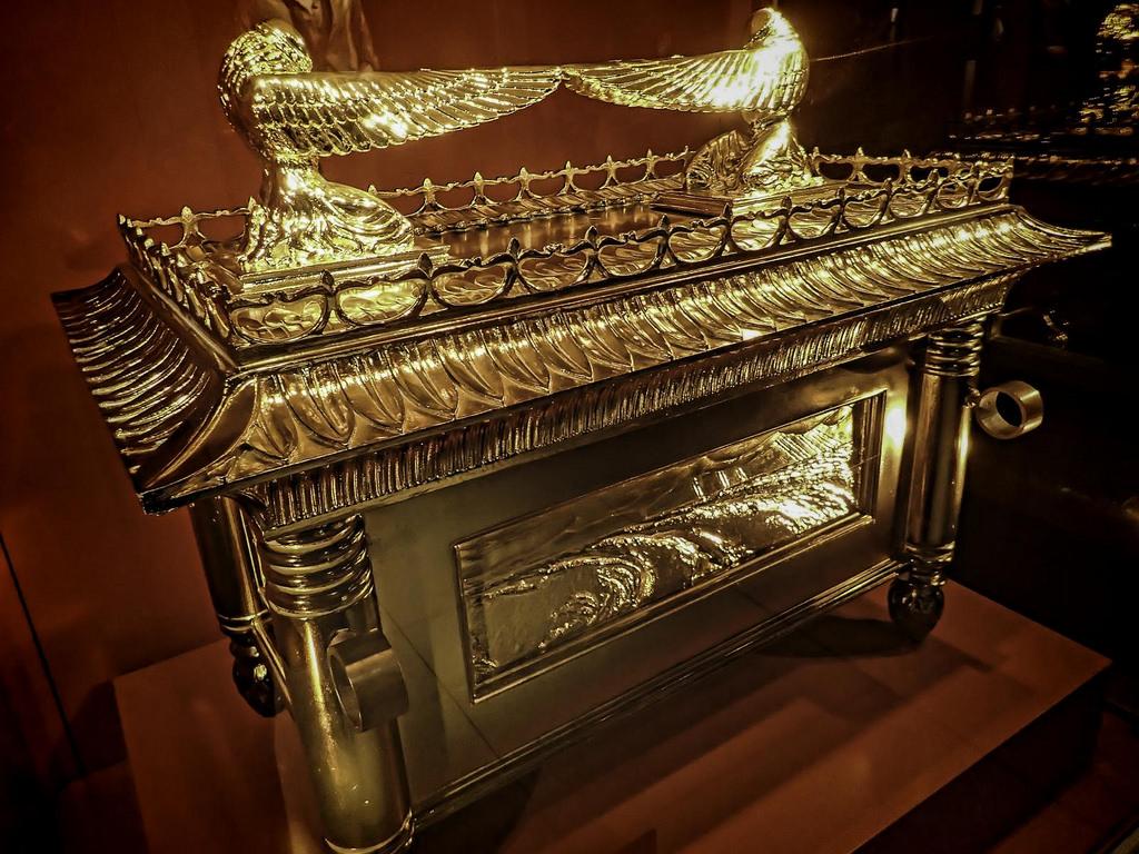 Передачи про золотой ковчег