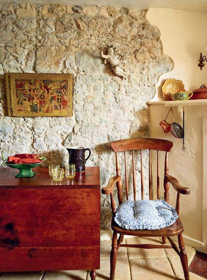 home garden une maison du 12 me si cle restaur e. Black Bedroom Furniture Sets. Home Design Ideas