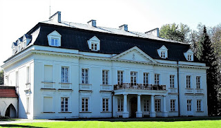 Pałac Radziejowice - elewacja frontowa