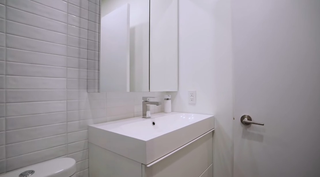 Tour 33 Bay St #211, Toronto, ON vs. 15 Interior Design Photos
