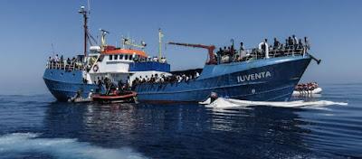 Mεταναστευτικό: Δεν κάνουν πίσω οι Ιταλοί- Απελούν να κατάσχουν τα πλοία της γερμανικής ΜΚΟ που μεταφέρουν μετανάστες