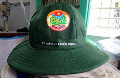May nón tai bèo kỷ niệm 70 năm chiến khu D tại công ty may nón Kim Cương