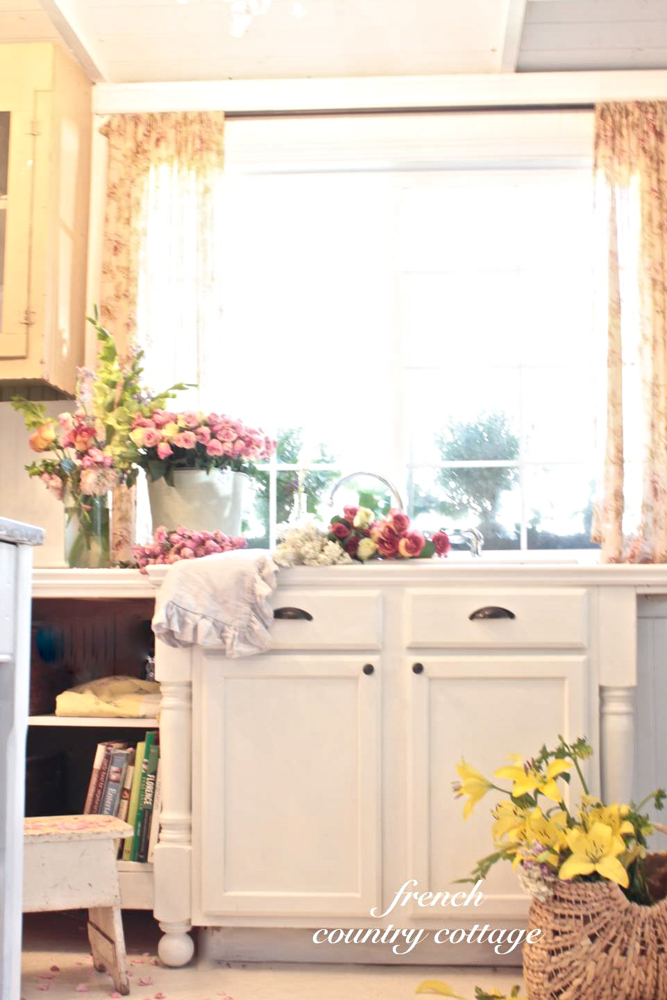 Farmhouse Country Kitchen Designs: Building A Vintage Inspired Farmhouse Kitchen