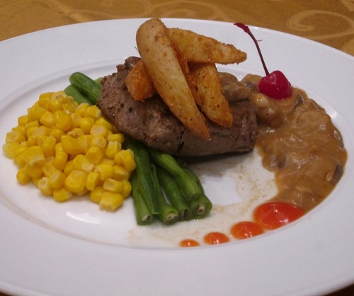 Beef Steak with Mushroom Sauce Luminor Hotel Pecenongan