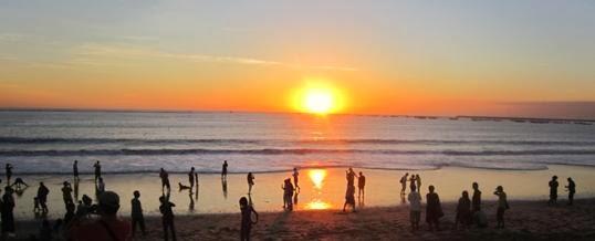 Tempat Wisata Di Bali : Pantai Jimbaran