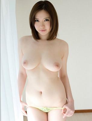 Bintang jepang Azumi Kinoshita bugil, payudara montok