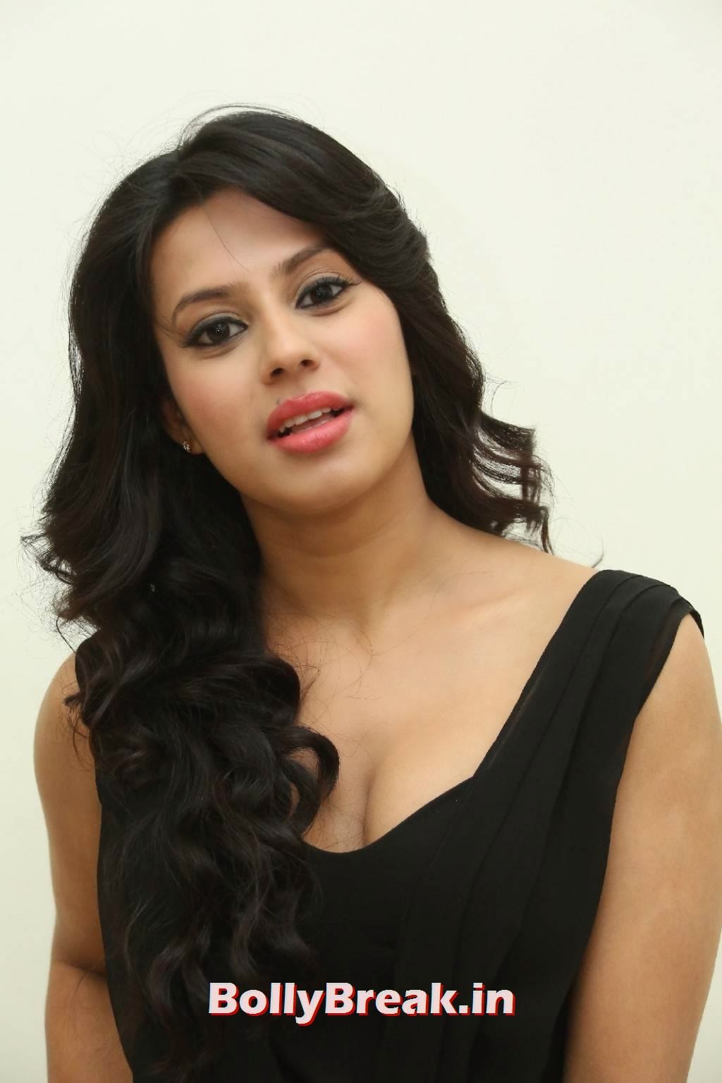 , Ranya Hot Photoshoot Images in Black Dress