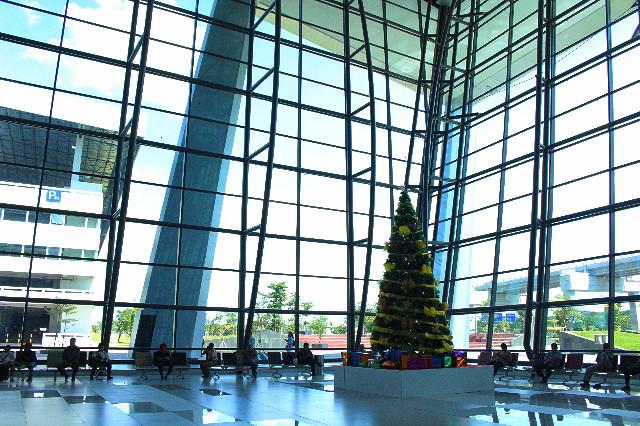 desain kaca terminal 3 ultimate