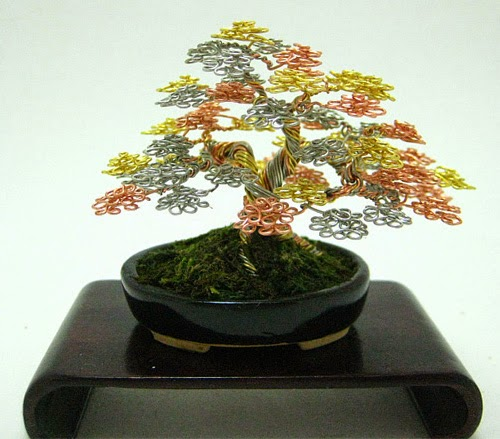 16-Ken-To-aka-KenToArt-Miniature-Wire-Bonsai-Tree-Sculptures-www-designstack-co