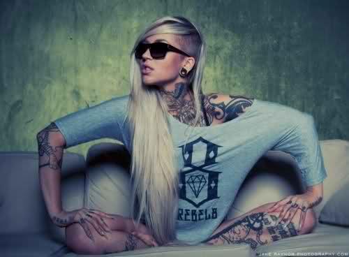 Stunning This Tattoo Artist Uses Real Flowers To Create: Beautiful Tattoo Girls