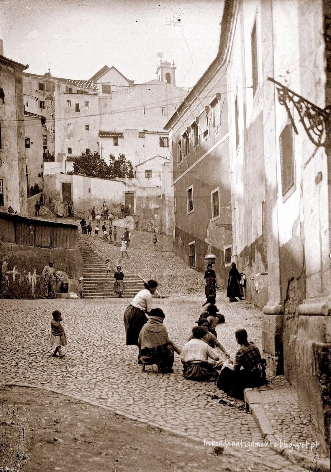 Lisboa de antigamente largo e escadinhas de s miguel for Propuesta para una cantina escolar