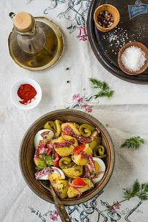 Sałatka ziemniaczana z salami