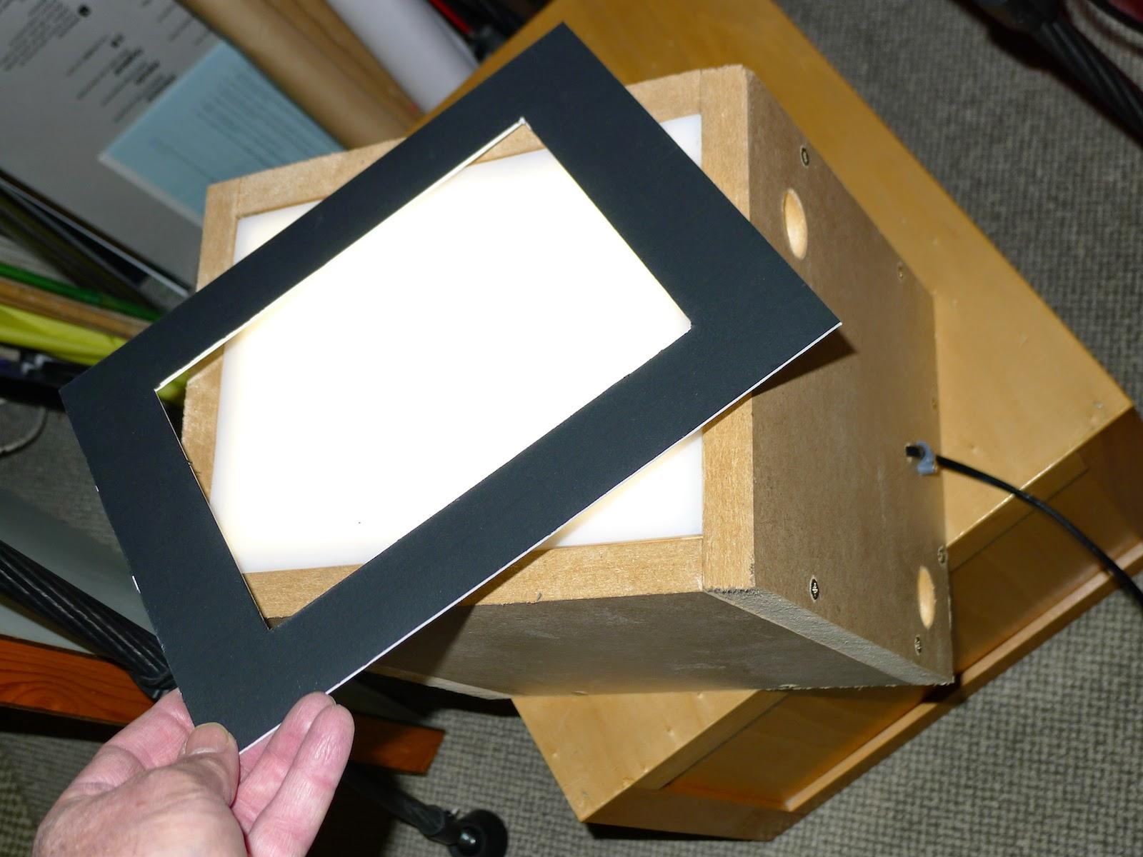 Boite à lumière pour numériser les plaques photographiques