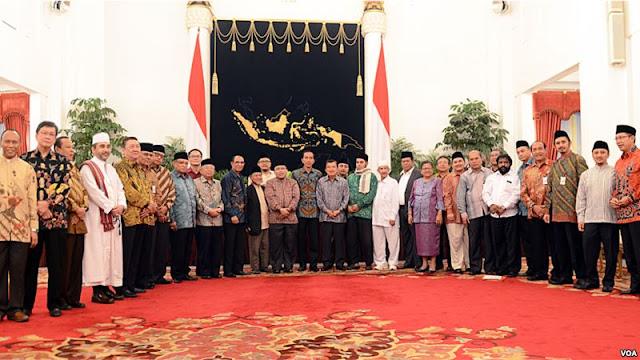 Jokowi Diantara Politik dan Agama