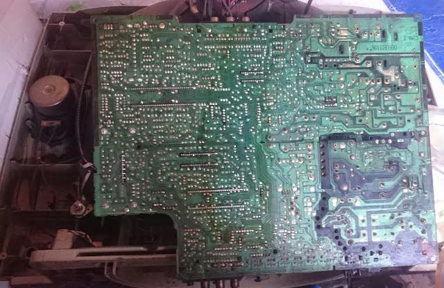 PCB Bawah TV LG FLAT 20-Inch, Model: 20CA8RG