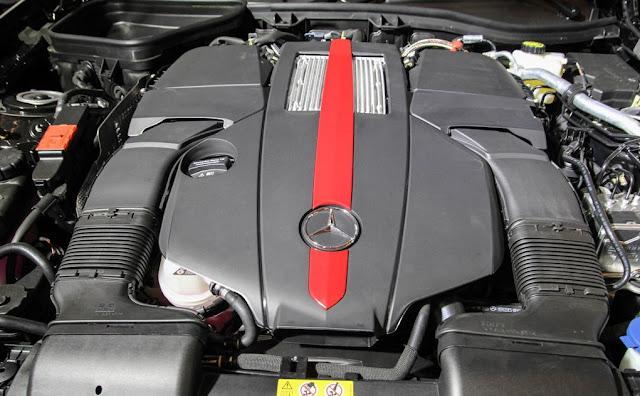 Động cơ Mercedes AMG SLC 43 vận hành cực kì mạnh mẽ