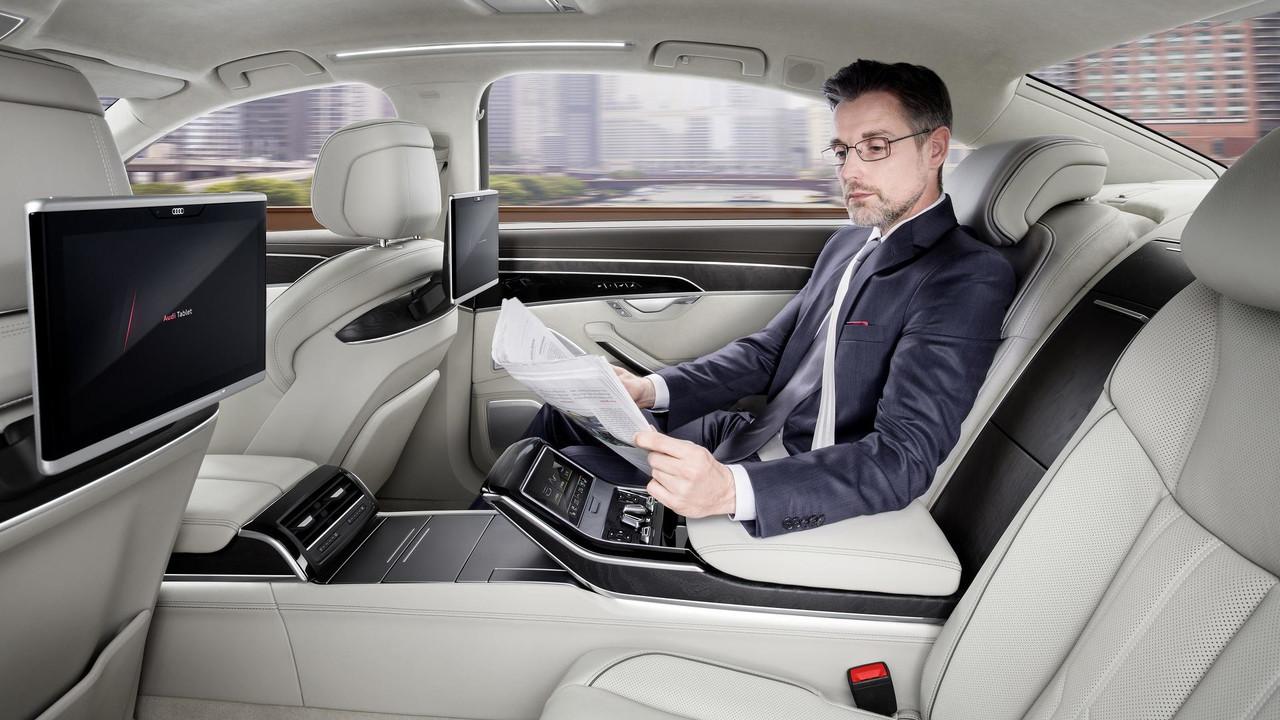 Audi A8L 4.0 loại nhập khẩu bản dài