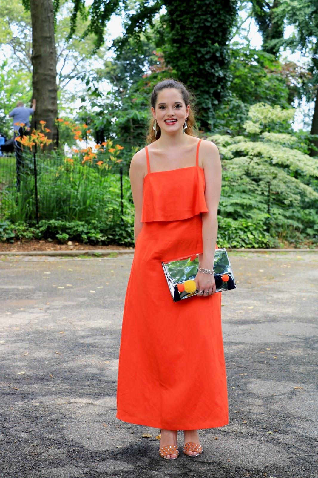 Fashion blogger Kathleen Harper of Kat's Fashion Fix showing summer wedding outfit ideas