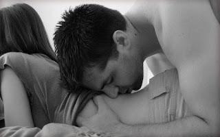 √ Tips Bangkitkan Gairah Pasangan Diatas Ranjang