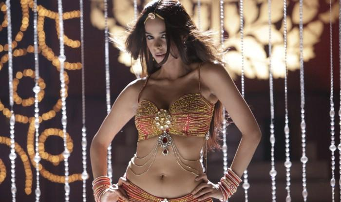 Mallika item song pics hot and sexy
