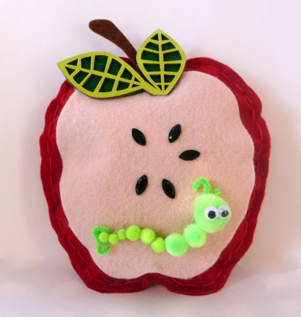 Tando Creative: Back to School - Apple Pillow