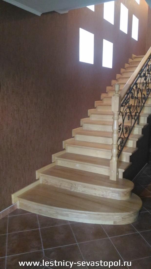 Железный каркас для лестницы