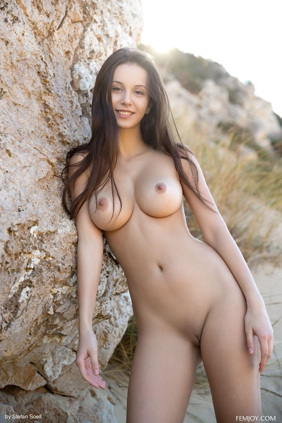 rjno7n4qv6qi FemJoy Alisa I Enjoy This Moment