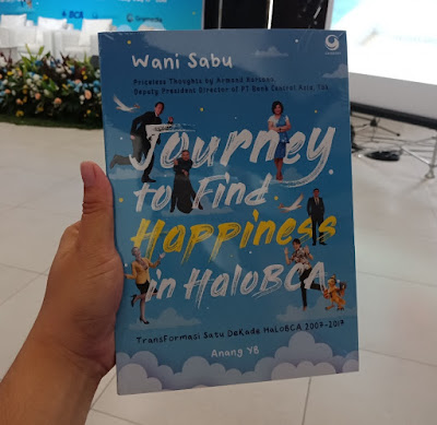 Buku Journey to Find Happiness in HaloBCA