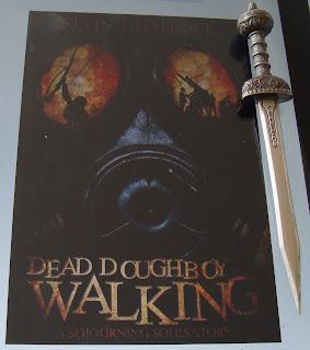 Portada del libro Dead Doughboy Walking, de Kevin J. Hallock