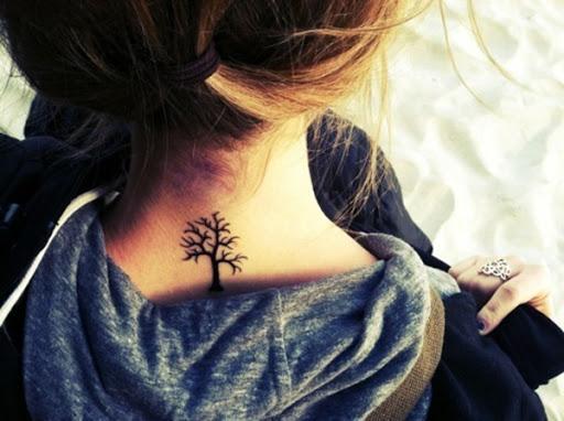 Árvore pescoço o projeto da tatuagem