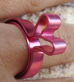 http://handbox.es/heart-ring-diy