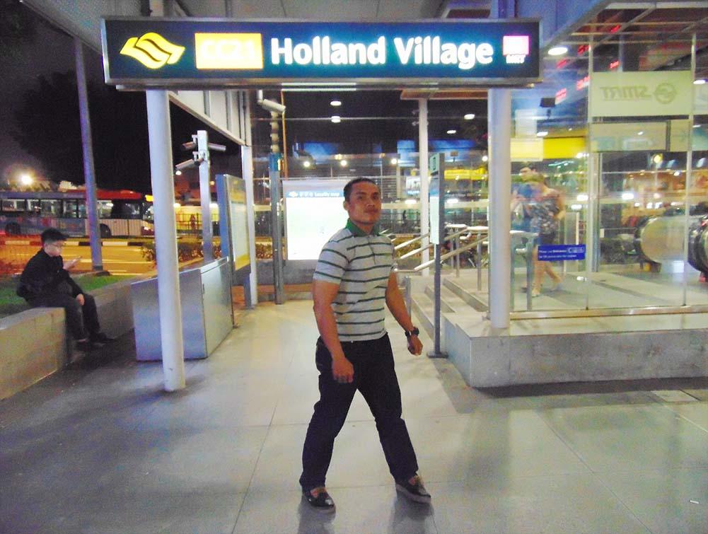 """Dengan Lagu Widuri, Tommy Boly """"Gegarkan"""" Kampung Belanda, Kampung Belanda (Holland Village), yang juga dikenal sebagai Holland V, namanya terinspirasi dari Hugh Holland, Kampung Belanda (Holland Village) ini merupakan kawasan yang popular sebagai tempat hangout anak muda dan para ekspatriat di Singapura"""