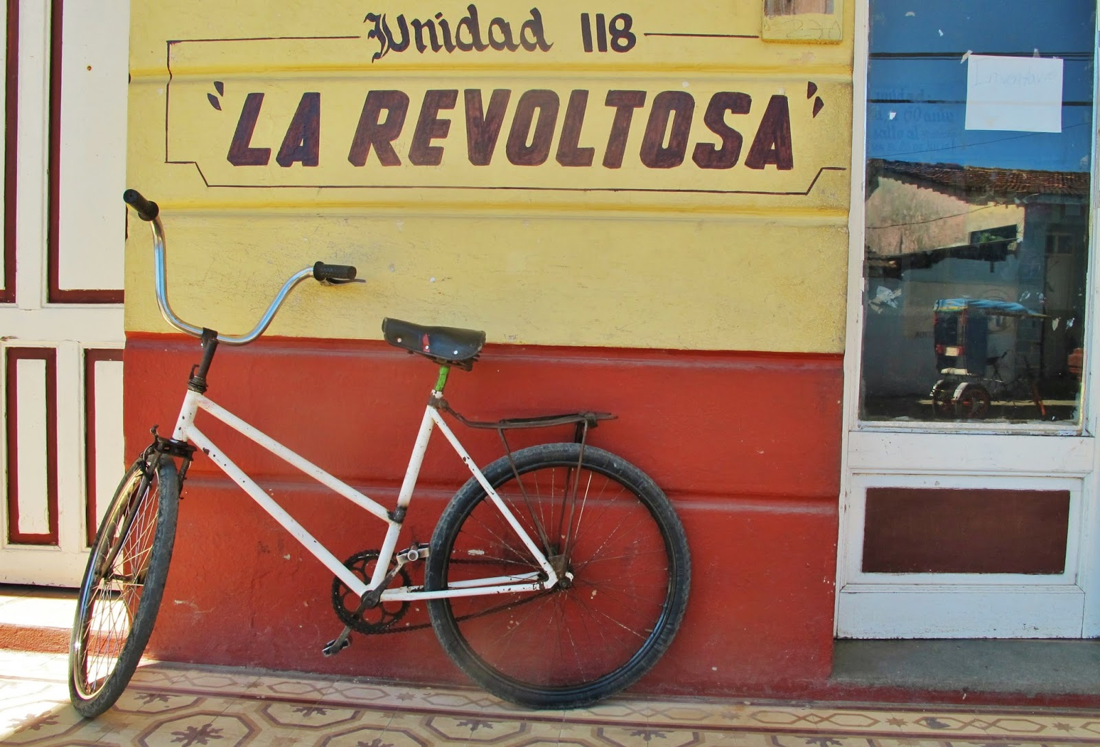 Pelas ruas de Baracoa, uma das regiões mais remotas de Cuba.