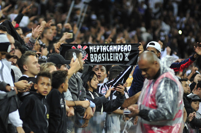 Do 1º turno impecável à incapacidade dos rivais: como Corinthians foi hepta?