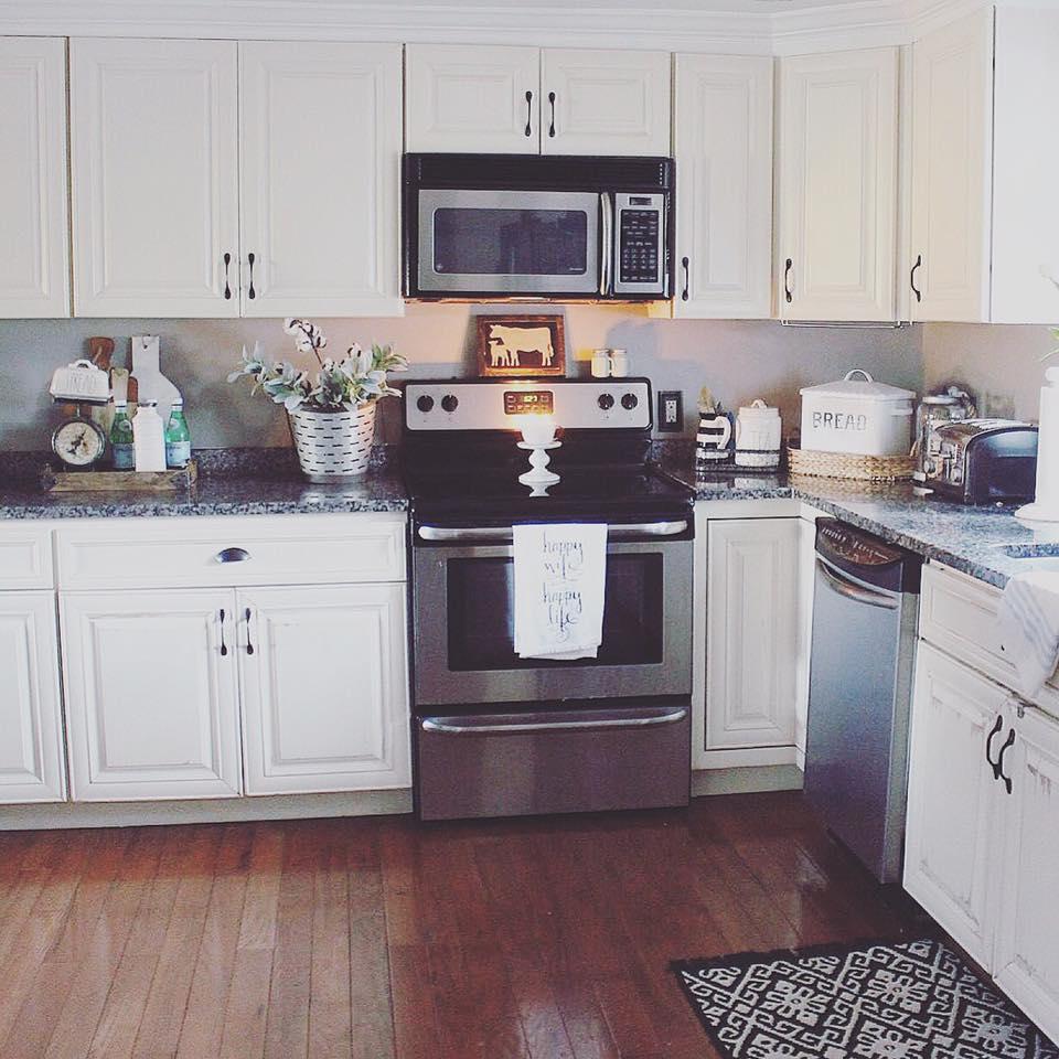 Farmhouse Style Kitchen Essentials