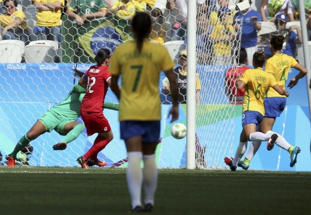 A atacante Rose marcou o primeiro gol da seleção do Canadá. Foto: Reuters/Paulo Whitaker/Direitos Reservados