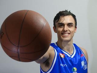 Victor Navajas, atleta da base minastenista [Divulgação/athletes-usa]