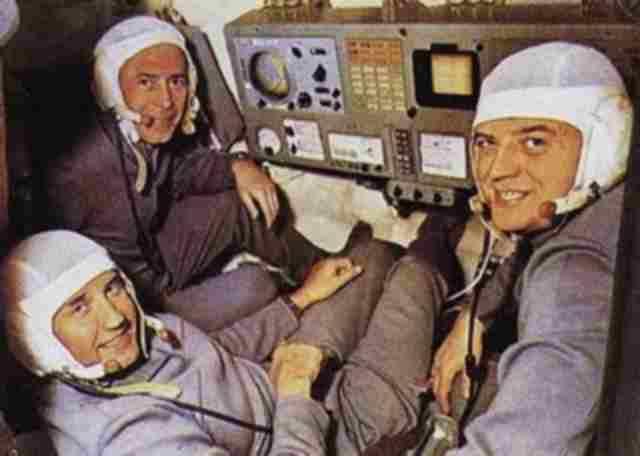 Mistérios dos três cosmonautas